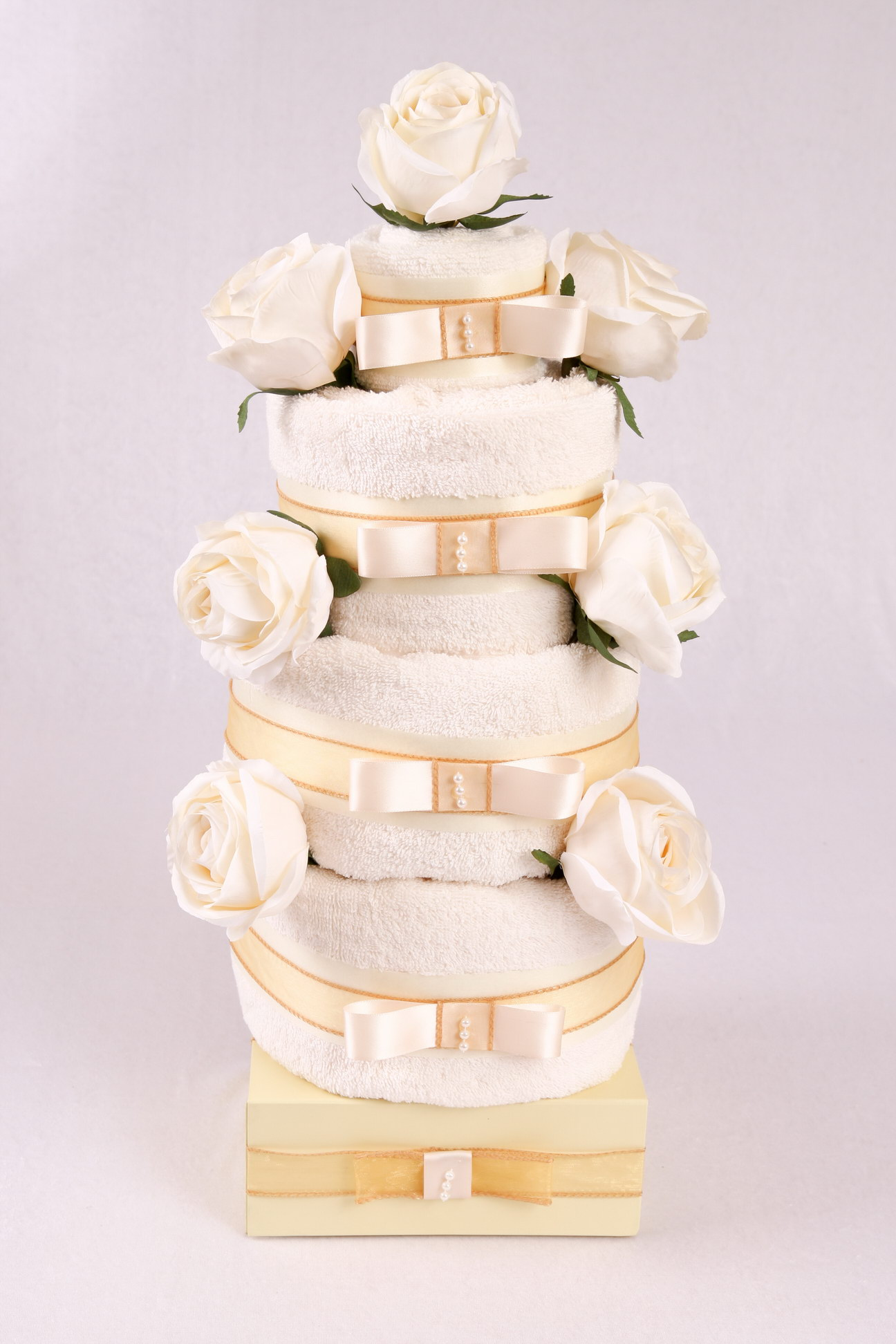 ROSE TOWEL CAKE