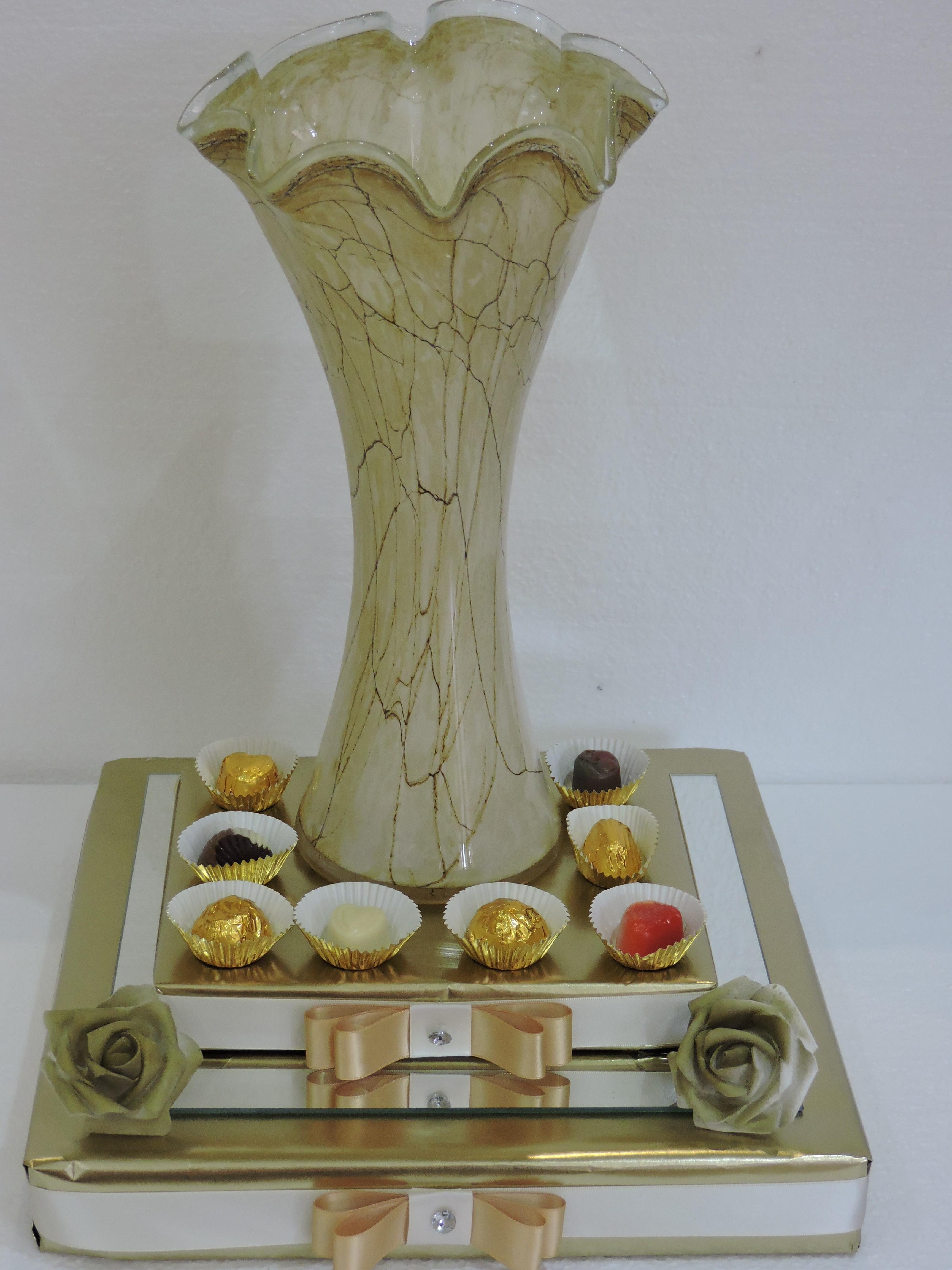 Scalloped Vase Gift