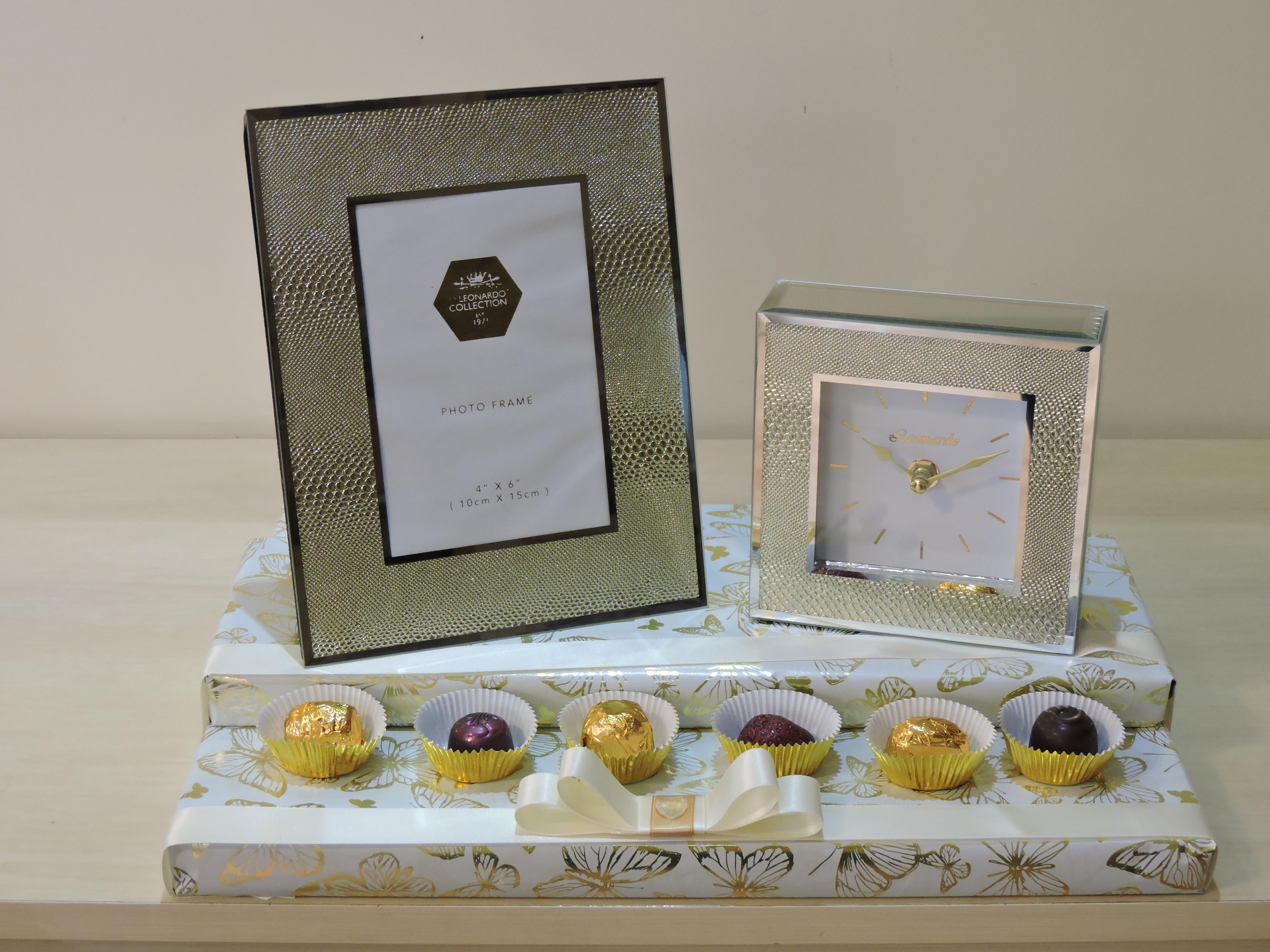 Frame & Clock Gift