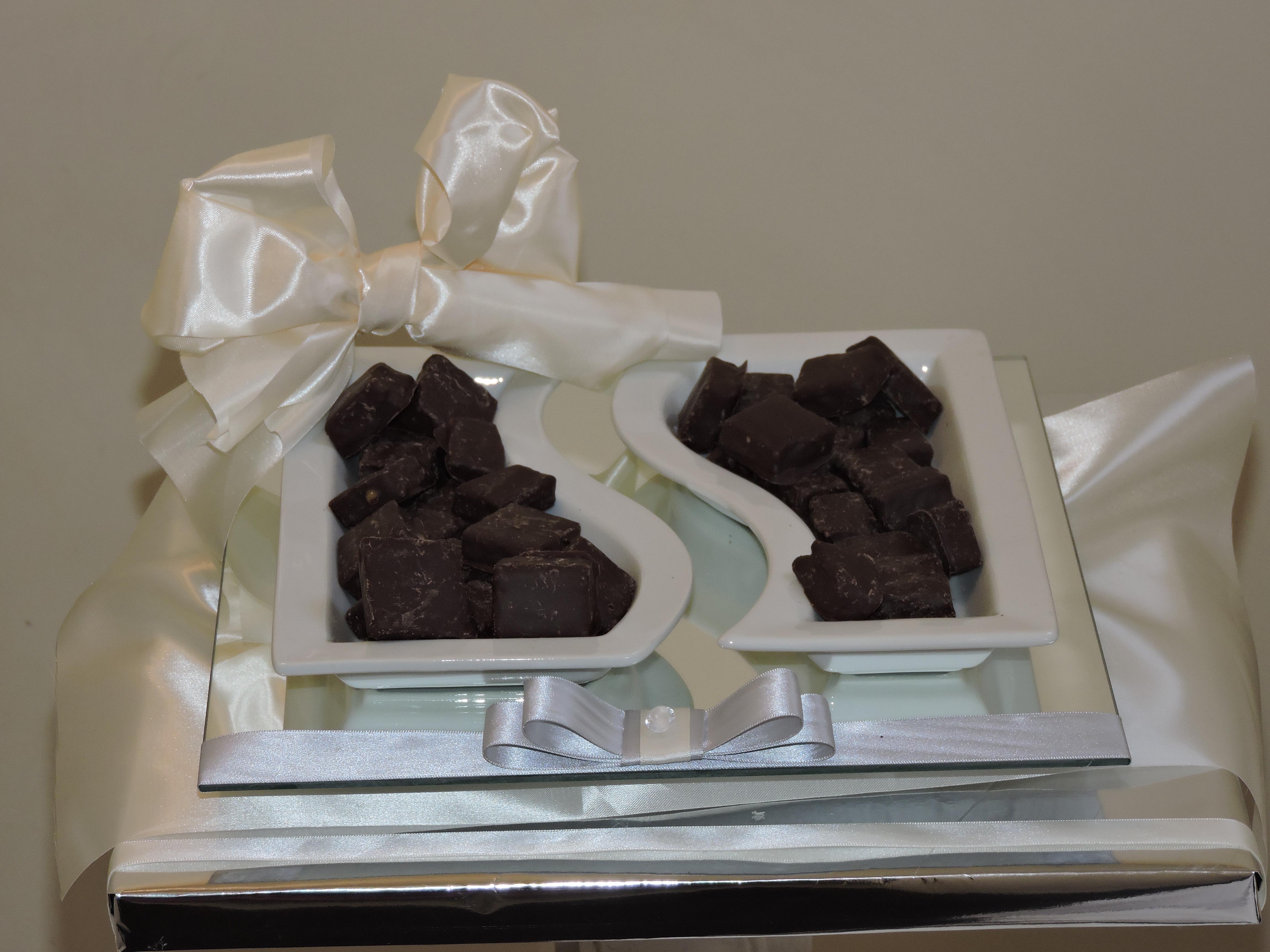 Dish & Honeycomb Gift