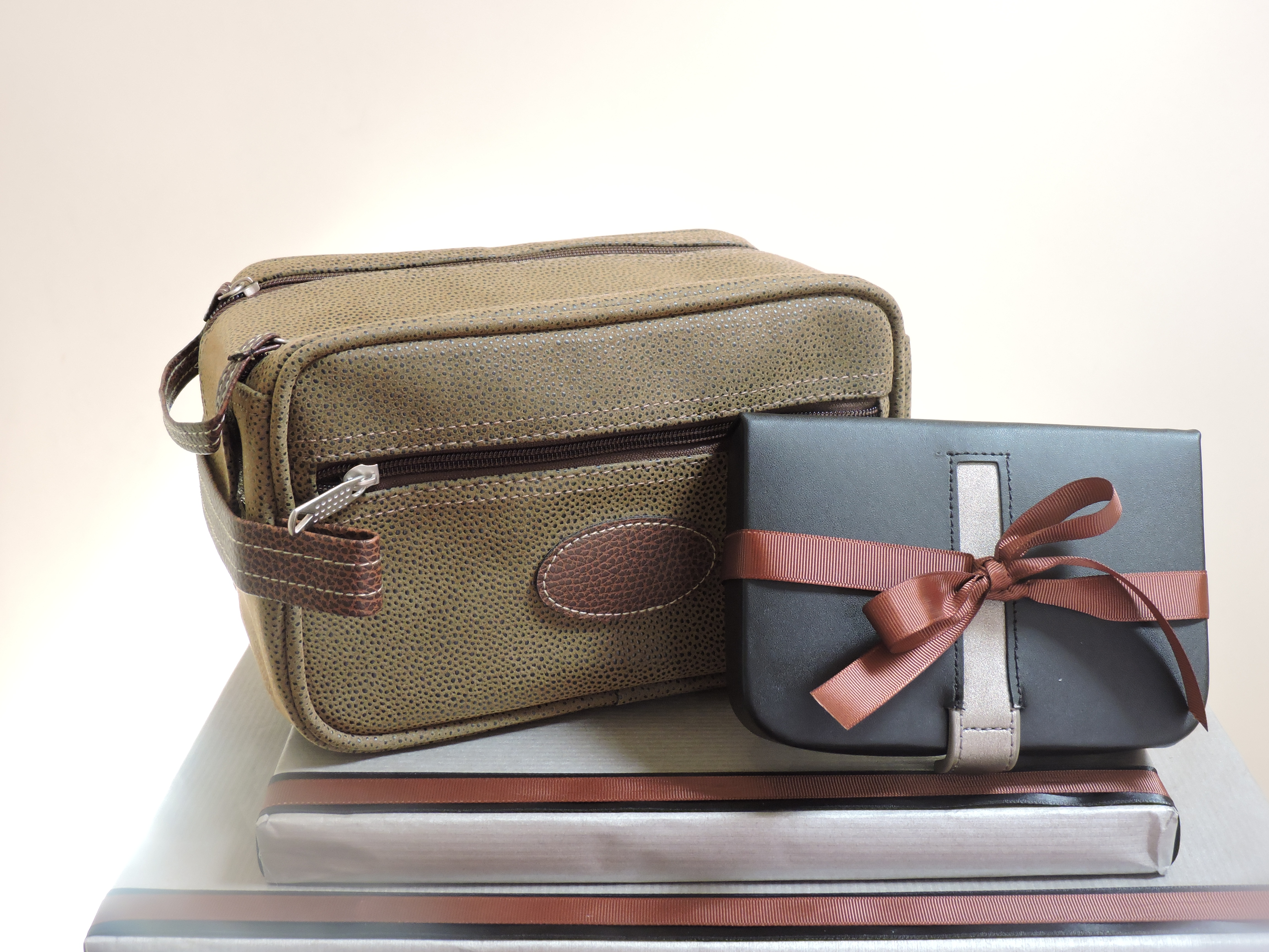 Toiletry Bag & Cufflink Box Gift