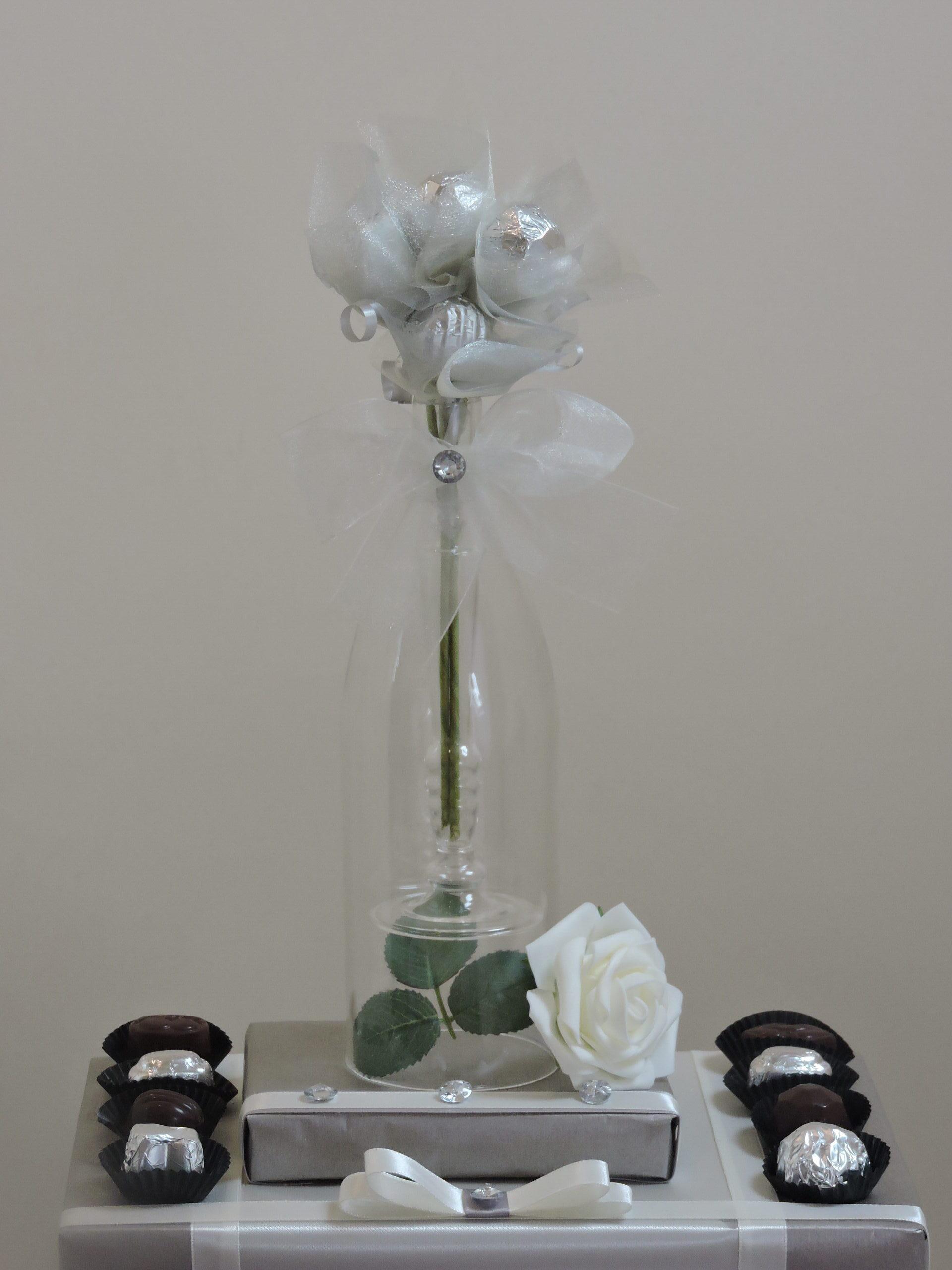 Elegant Candle Vase Bouquet