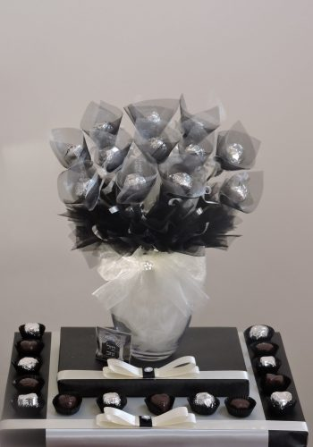 Black and Ivory Chocolate Bouquet 1