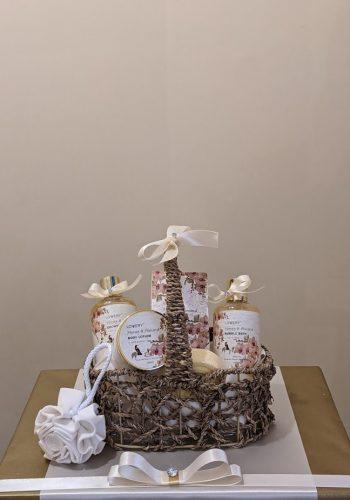 Honey & Almond Spa Gift
